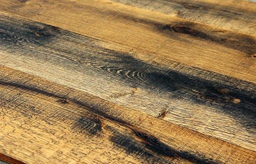 Een mooie houten vloer van grenen